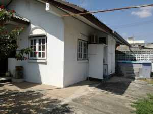 A Detached 2 Bedroom House for Rent in the Centre of Buriram at Buriram centre for 6000 Thai Baht/month