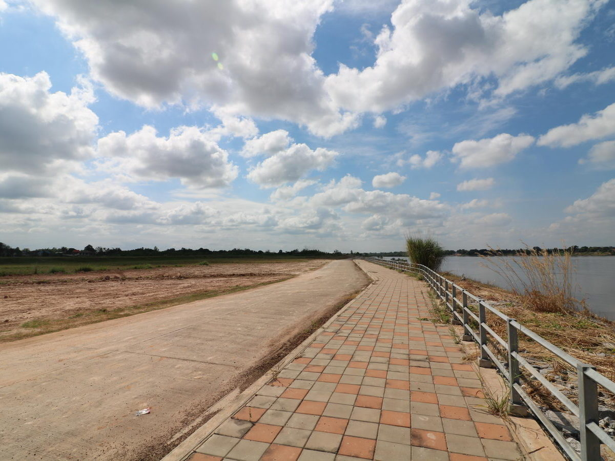 141 Rai Land For Sale With 600 Meter Mekong River Frontage In Nong Khai, Thailand